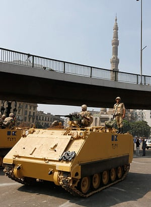 Egypt: A soldier holds his weapon