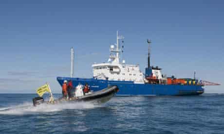 Greenpeace icebreaker blocked by Russia