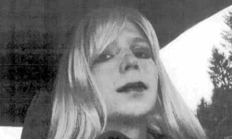 Bradley Manning announces new identity as Chelsea Manning