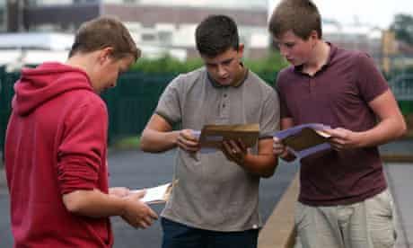Pupils check GCSE results