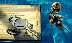 Swimming carer