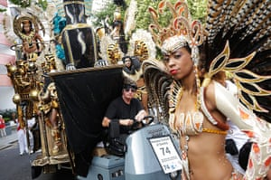 Notting Hill Carnival: The carnival parade on the move
