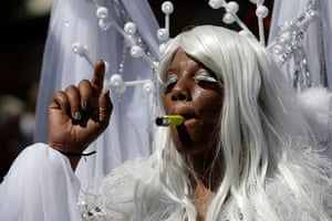 Notting Hill update: Performers blow whistles during the parade