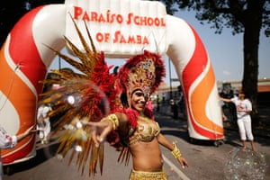 Notting Hill update: Performers from the Paraiso School of Samba