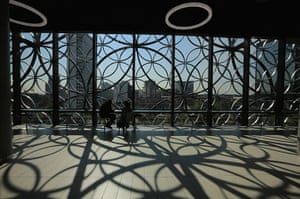 Birmingham Library: The design of interlacing rings reflects the canals and tunnels of Birmingh