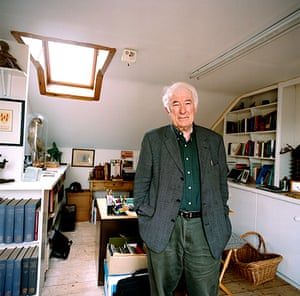 Seamus Heaney: Seamus Heaney in his study at home in Dublin, 2007