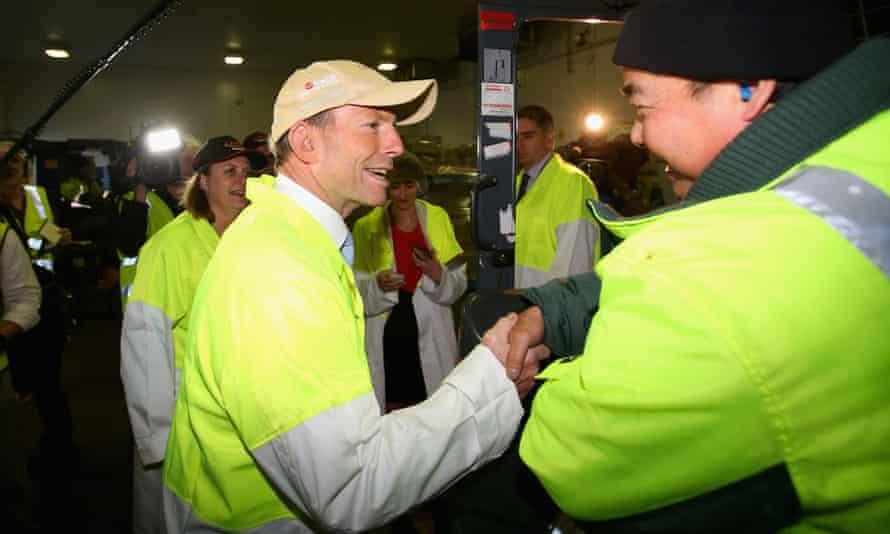 Tony Abbott talks to employees at JBS.