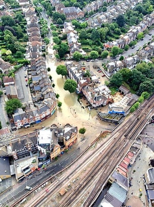 Herne Hill flood: Aerial view of Herne Hill floods from MPS Helicopters
