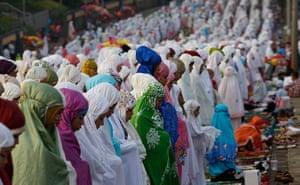 Eid festival: Indonesian Muslims perform Eid al-Fitr prayers
