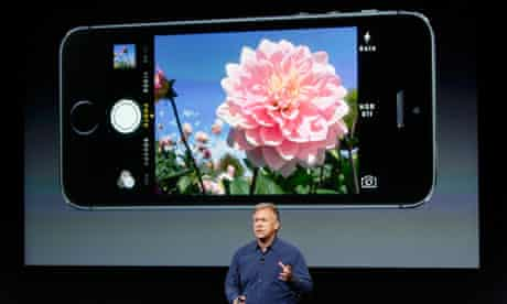 Phil Schiller talks about the camera in the new iPhone 5S