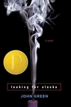 ALA : Looking for Alaska, by John GreenReasons: Offensive language, sexually ex