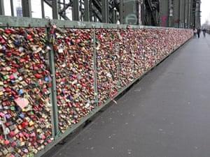 Alternative Germany: padlock bridge cologne
