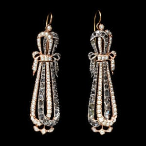Pearls: Earrings, gold with natural seed pearls and diamonds
