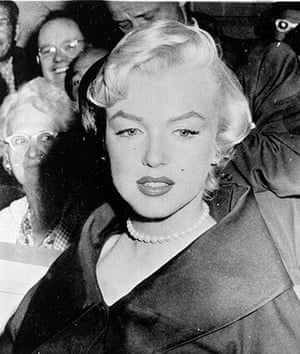 Pearls: Marilyn Monroe wearing a pearl necklace