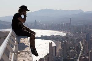 Skywalking: Vadim Gurnov skywalking above Benidorm