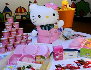 Hello Kitty plane: Meals for the Hello Kitty-themed aircraft plane,