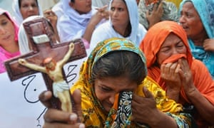 Pakistani Christians protest against suicide bombing