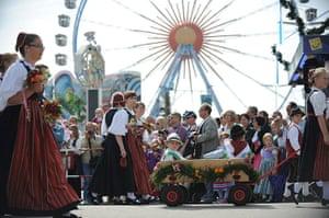 oktoberfest: Oktoberfest opening parade