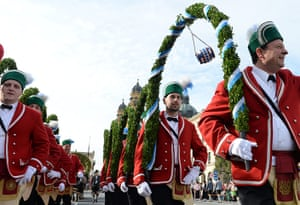 oktoberfest: Oktoberfest costume parade