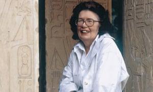 Barbara Mertz used the pen names of Elizabeth Peters and Barbara Michaels