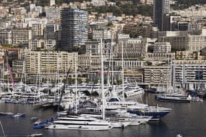 Yachts: 500 companies in the luxury yachting world exhibit a hundred super and mega