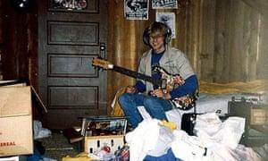 Kurt Cobain teenager with guitar at Aberdeen home