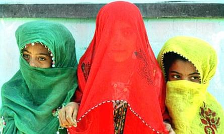Iranian children in veils