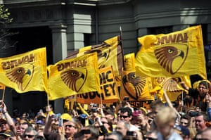 AFL Parade: Hawthorn fans fly flags