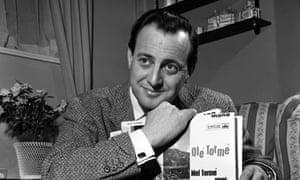 Broadcaster David Jacobs dies at 87