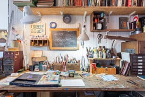 Homes - Oliver Jeffers: illustrator Oliver Jeffers' studio with paints and pens on table