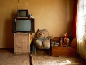 Pieter Hugo - Kin: In the home of Meshack Molatudi, Robinson Lake, Harmony Mine, Randfontein