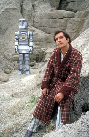 Readers 10: The Hitchhikers Guide To The Galaxy