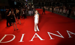 Naomi Watts arriving for the Diana premiere at the Odeon Leicester Square, London
