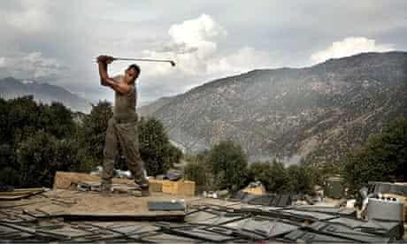 Tim Hetherington: Jones practises golf