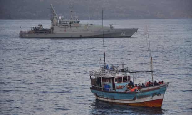 australian navy asylum seekers