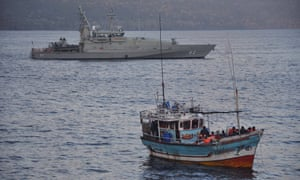 asylum seeker boat navy