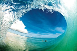 Incredible waves: a sand-bottom point break in the Caribbean