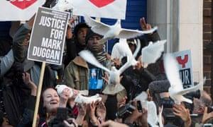 Mark Duggan's family members release doves