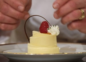 Golden Globes ceremony: Beverly Hilton's Executive Pastry Chef T