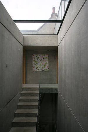 Homes - Concrete house: concrete stairs with glass roof