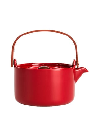 Homes - warm front: red coloured teapot
