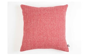 Homes - warm front: red cushion