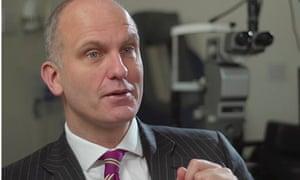 Robert MacLaren, Oxford professor and surgeon