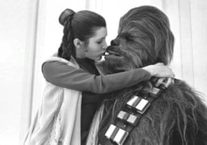 Carrie and Chewie get close.