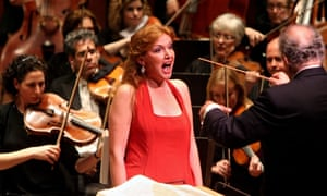 Soprano Anne Schwanewilms sings Strauss's Elektra