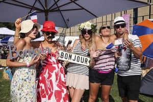 So frenchy: Revellers get into the spirt of So Frenchy So Chic
