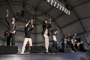 So frenchy: Babylon Circus thank the crowd