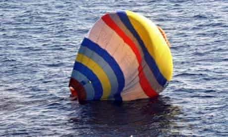 Chinese balloonist crashes into East China Sea