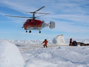 Antarctica: Chinese helicopter takes off