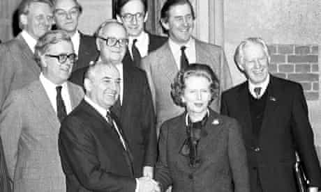 Margaret Thatcher shakes hands with Mikhail Gorbachev at Chequers in 1984